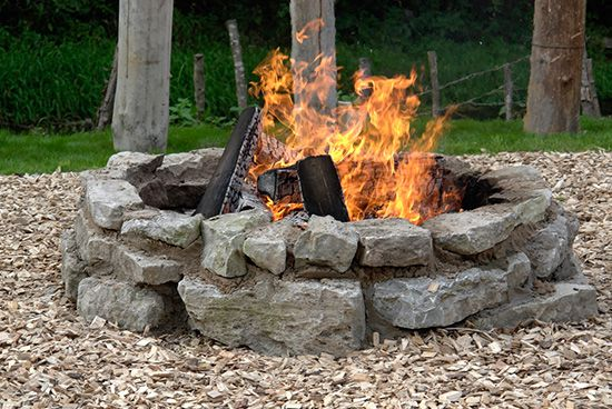 - How To Build A Fire Pit With Rocks